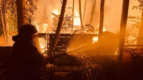 НеуДАЧНАЯ ночь. В Карабаше ликвидировали крупный пожар в садовом товариществе