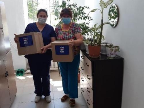 Рука помощи. Аргаяшские медики получили продуктовые наборы от единороссов