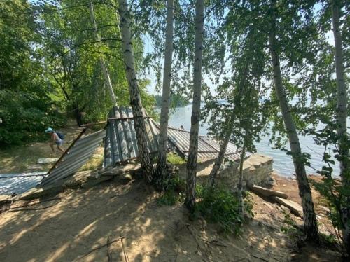 Вход не воспрещён. На озере Увильды демонтируют незаконные ограждения