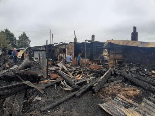 Всё пропало. В Аргаяшском районе молния ударила в жилой дом