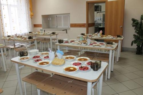 Добавка будет! 611 млн рублей получит Южный Урал на горячее питание младших школьников