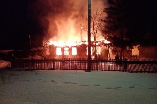 Зима – пора жаркая. В феврале в Аргаяшском районе дома горели, автомобили съезжали в кювет